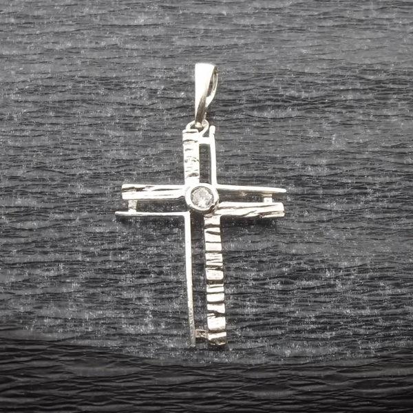 Krzyż srebro i cyrkonia pr925
